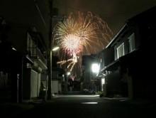 花火が見える町の風情